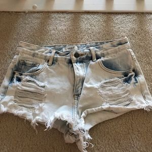 Light Wash,High Waisted Ripped Jean Shorts